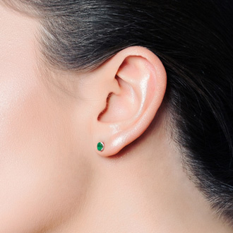 1 Carat Oval Shape Emerald Stud Earrings In Sterling Silver