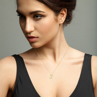 S Initial Necklace In 18K Yellow Gold With 15 Diamonds