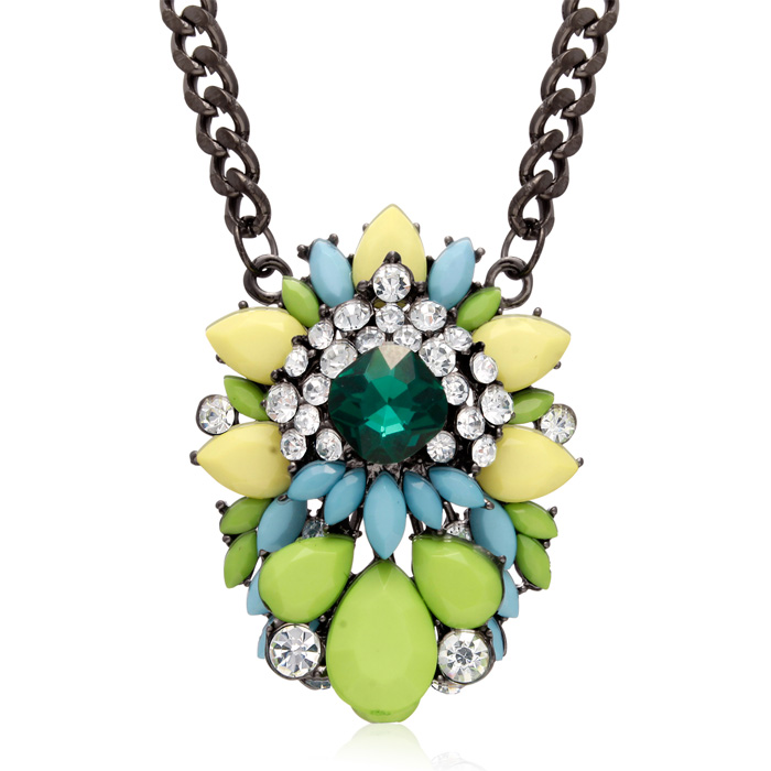 Green Apple Chain Necklace by Passiana