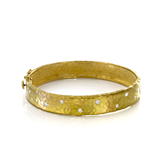 18K Yellow Gold 11.0mm Hammered Finish, Diamond Polka Dot Bracele