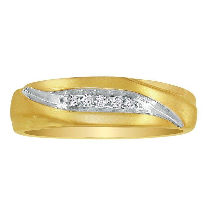 Debonair Sweeping Mens Diamond Wedding Band in 10k Yellow Gold (2