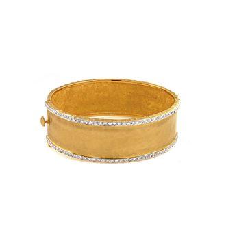 18 Karat Yellow Gold 22.0mm Hammered Finish Bracelet with Diamonds