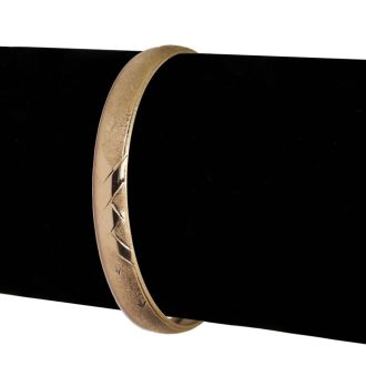 10K Yellow Gold Flexible Bangle Bracelet With Brushed and Polished Diamond Cut Design, 7 Inches