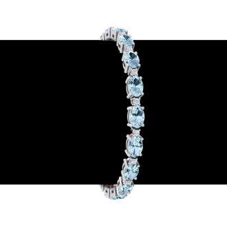 9 Carat Oval Shape Aquamarine and Diamond Bracelet In 14 Karat White Gold, 7 Inches
